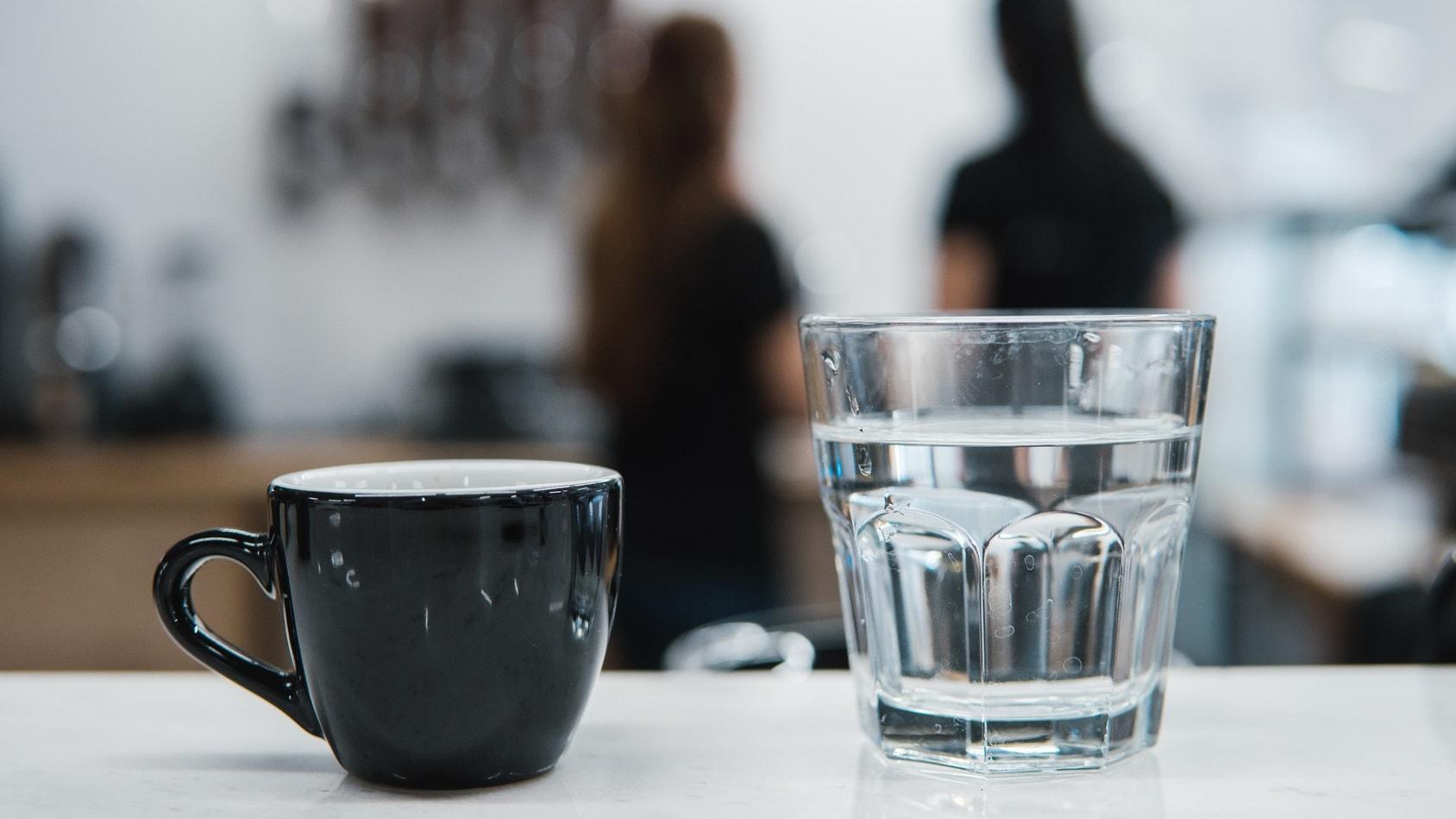 Woda do espresso, co mam z nią zrobić?